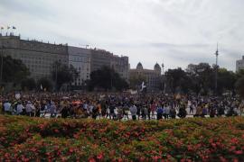 Miles de personas se echan a las calles en Cataluña tras la sentencia del 'procés'