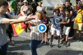 Agreden a una mujer con una bandera española en las protestas por la sentencia