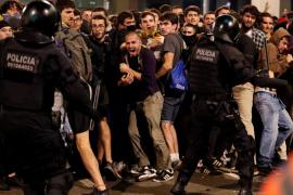 10.000 manifestantes y 131 heridos en las protestas del lunes