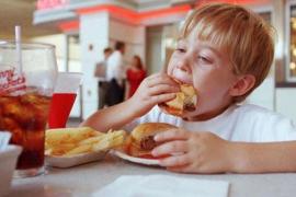 Unicef advierte de que en España casi un 35 % de los menores de 16 años tienen exceso de peso