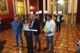 Més se va del pleno del Parlament en protesta por la sentencia y Vox pide su ilegalización