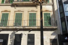 Manacor amanece llena de lazos a favor del catalán