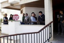 Stop Desahucios no logra impedir el desalojo de una mujer y su hijo minusválido en Palma