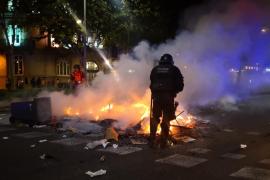 Noche de batalla campal en el centro de Barcelona