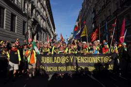 Miles de pensionistas llegan al Congreso y piden una pensión con el IPC por Ley
