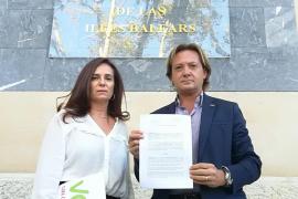 Vox denuncia al Govern ante la Fiscalía por la quema de la bandera española