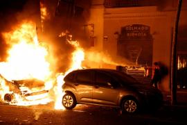 Coches incendiados en las protestas