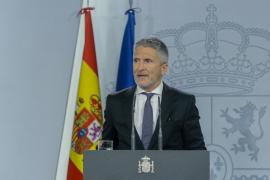El ministro del Interior en funciones, Fernando Grande-Marlaska, ofrece una rueda en el Palacio de la Moncloa tras presidir el Comité de coordinación de la situación provocada en Cataluña tras la publicación de la sentencia del 'procés', el pasado 1