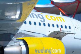 Vueling cancela 36 vuelos en El Prat por la huelga general en Cataluña