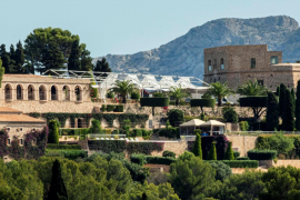 Instalan una carpa en La Fortalesa, el lugar donde se celebrará la boda de Rafa y Maria Francisca
