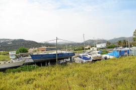 Los afectados por el cierre de marinas secas llaman a una 'tractorada' frente al Ajuntament d'Andratx