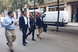 Valls se enfrenta a unos independentistas que le llamaron «gabacho»