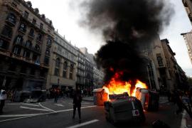 Graves enfrentamientos en el centro de Barcelona por quinto día consecutivo