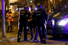 La Policía se lleva detenido en Barcelona a un fotoperiodista de 'El País'