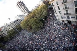 Miles de personas se manifiestan en Barcelona contra la «represión»