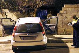 Roban un coche en un garaje de Marratxí y lo estrellan contra un muro en Palma