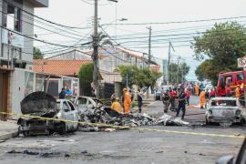 Tres muertos al caer una avioneta sobre unos vehículos en Brasil