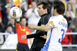 El Barcelona se sobrepone y golea a un impetuoso Zaragoza