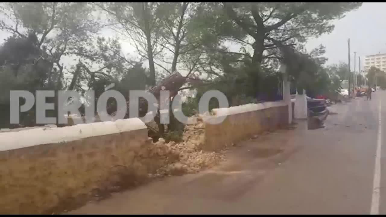 El paso de un devastador cap de fibló causa estragos en Sant Antoni y deja tres heridos