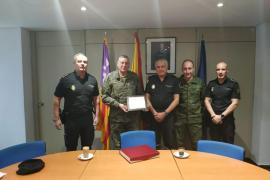 La Policía Nacional rinde homenaje al comandante general Juan Cifuentes