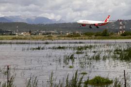 Vuelos desviados y retrasos en el aeropuerto de Palma por la tormenta