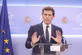 Rivera ve improbable que el centro-derecha sume y defiende un pacto PSOE-PP-Cs