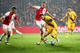 El Barcelona gana en Praga y se mantiene firme en el Grupo F