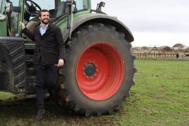 Pablo Casado se compromete a «evitar la crisis» y «defender el mundo rural»