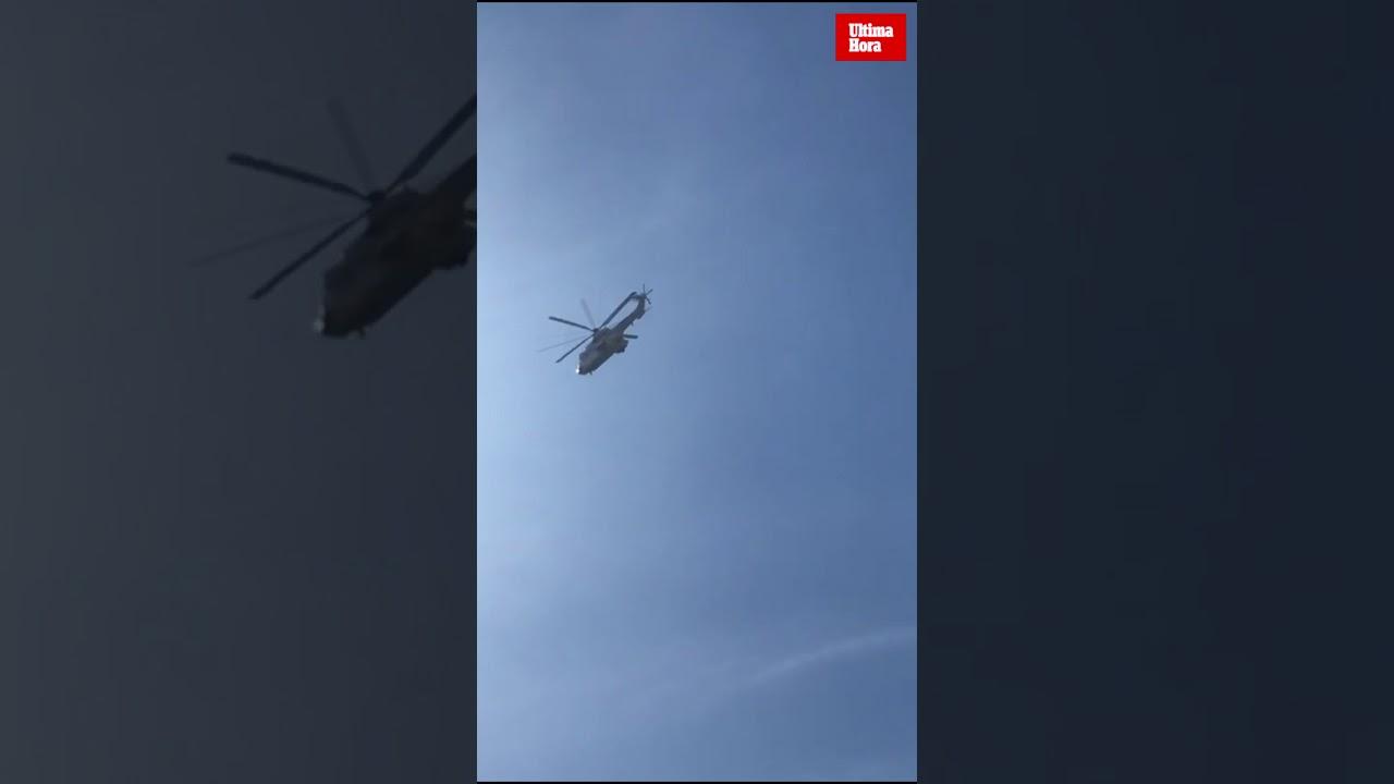 Un helicóptero Cougar del Ejército del Aire, encargado del traslado del féretro de Franco