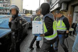 Intenta atropellar a dos policías en Son Gotleu para evitar una detención