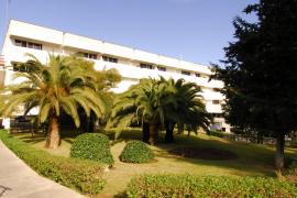 Muere un interno que se ha precipitado de un cuarto piso en la residencia La Bonanova