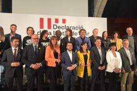 Més, entre los partidos nacionalistas que han firmado en Barcelona el manifiesto de autodeterminación