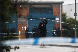 La policía detiene a tres personas más por el camión con 39 cadáveres