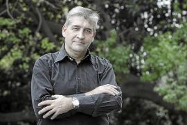 Miquel Àngel Vidal gana el premio de narrativa de Xàtiva y presenta 'Tebes'
