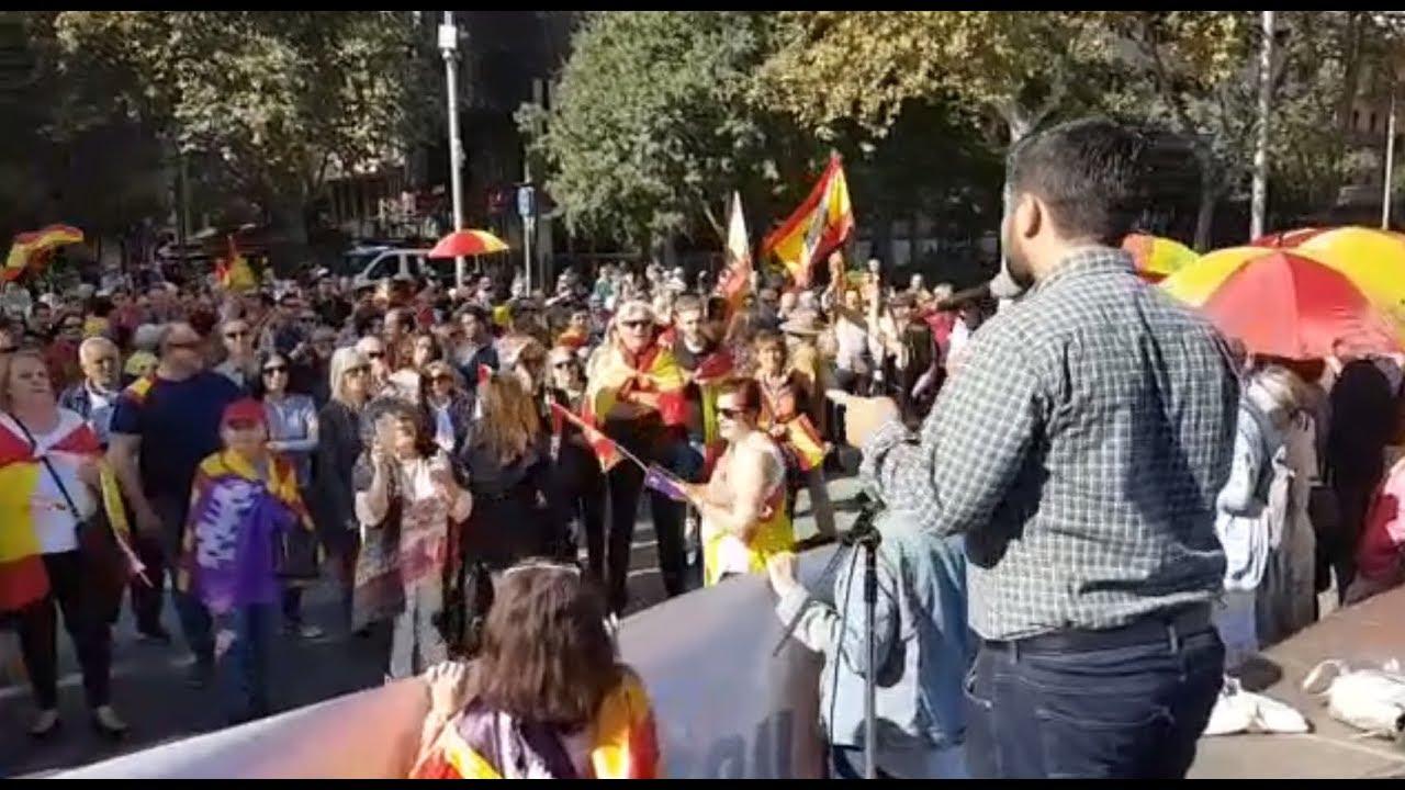 Cientos de personas claman por la unidad de España en Palma