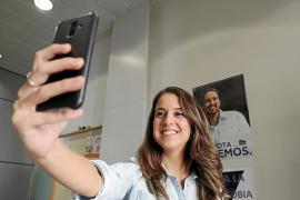 Gloria Santiago: «El problema es Sánchez, que es incapaz de descolgar el teléfono»