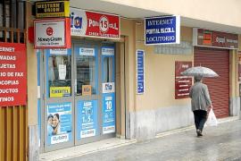 Tres hombres armados asaltan al dueño de un locutorio de Palma y le roban 5.800 euros