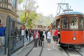 El tren rebajará el precio del billete a los residentes en Balears que presenten su DNI