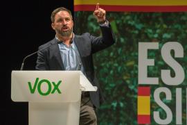 Abascal asegura que Vox nunca participará en una operación a favor del PSOE