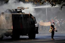 La jornada de protesta pacífica en Santiago de Chile acaba en disturbios
