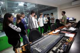 La visita escolar de alumnos del IES sa Colomina de Ibiza, en imágenes (Fotos: Daniel Espinosa).