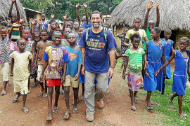 El mallorquín Marcos Portillo, responsable del proyecto educativo Wara Wara en Sierra Leona