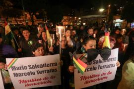 Dos muertos y más de 190 detenidos en las protestas contra la reelección de Morales