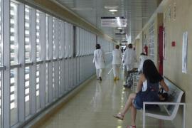 EU exige al Govern que renuncie a privatizar la gestión de  los hospitales públicos