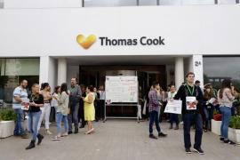Los trabajadores de Thomas Cook se concentrarán cada semana hasta que se normalice su situación