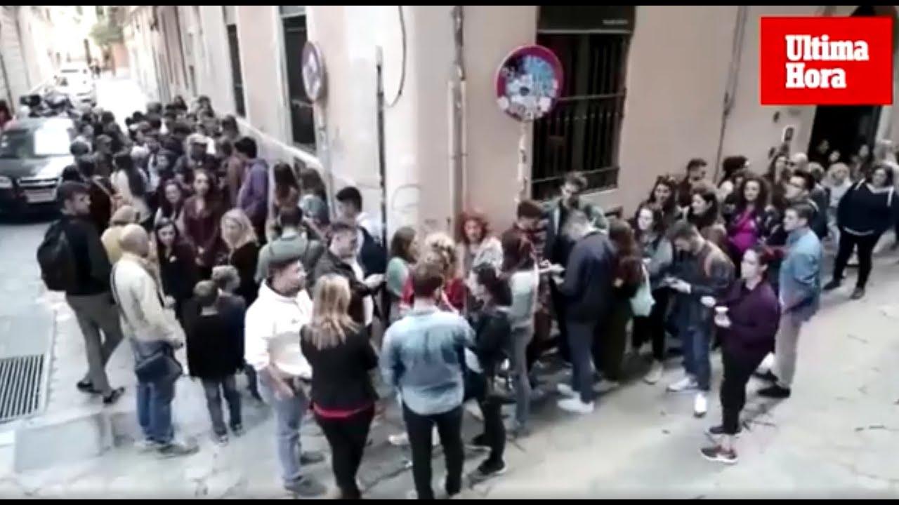Largas colas en Palma para el cásting de la nueva serie de Atresmedia