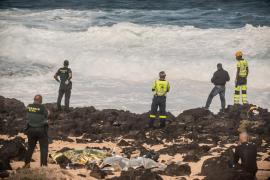 Ascienden a 6 los inmigrantes fallecidos de la patera que volcó en Lanzarote