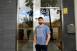 Vecinos de un edificio de Palma tapian un piso okupa donde se cultivaba marihuana