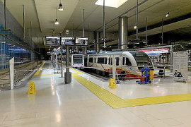 SFM trabaja para restablecer el servicio de metro averiado desde el jueves