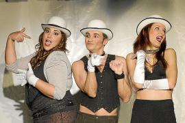La compañía 3funmusic se estrena con la comedia 'La vida era un cabaret!!'